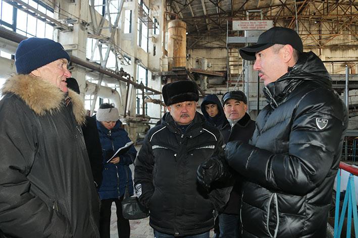 Сенатор побывал на Аксуском сахарном заводе