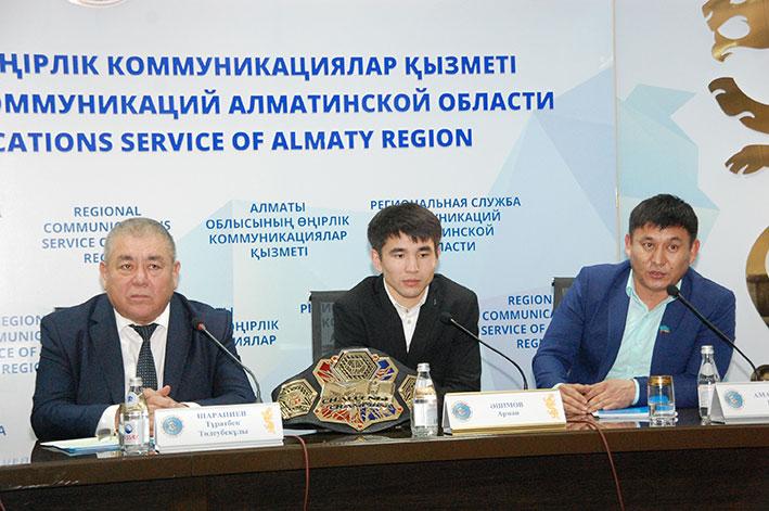 В Талдыкоргане встретили победителя международного турнира ММА М-Челленж 87 Армана Ашимова