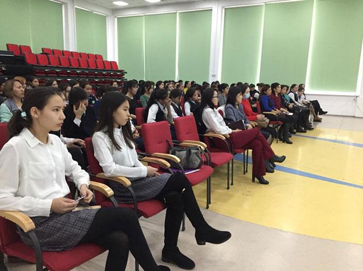 В ЦОМ прошел областной семинар-тренинг по обсуждению ранней беременности