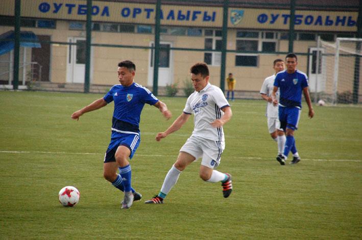Ливень с градом прервали товарищеский матч в Талдыкоргане