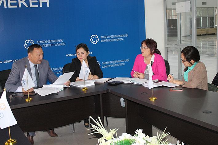В Талдыкоргане разъяснили новшества по применению контрольно-кассовых машин
