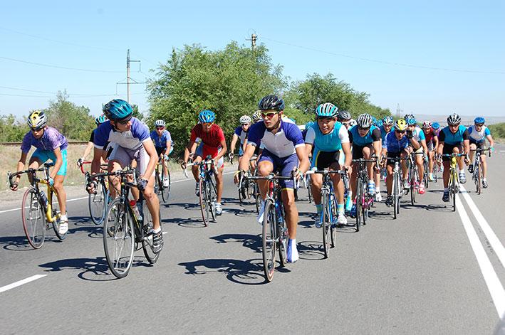В Талдыкоргане прошла велогонка, посвященная памяти Андрея Кивилева