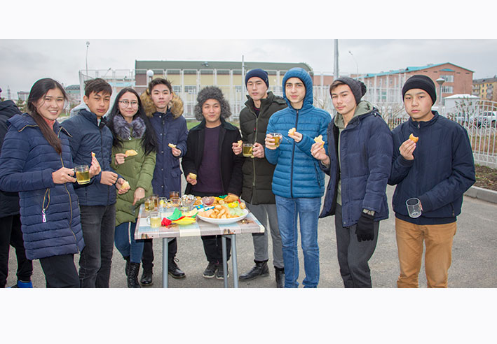 Учащиеся НИШ организовали «Фестиваль бауырсаков»