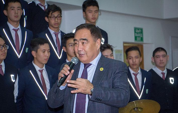 Учащиеся НИШ встретились с руководителем департамента Агентства РК по делам государственной службы и противодействию коррупции