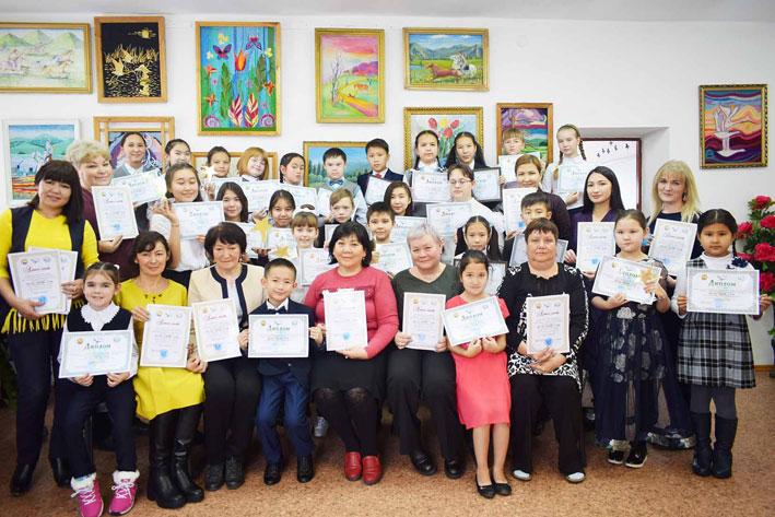 Учащиеся Центра детского творчества г. Текели участвовали в региональном конкурсе «Бала әлемі-2018»