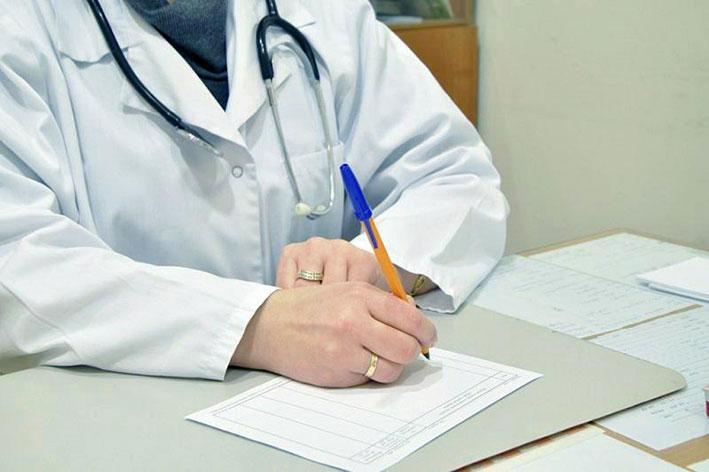 Алакольцев лечит 671 медик