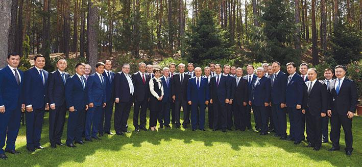 Нурсултан Назарбаев: «Акимы должны переформатировать свою работу на местах»